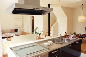 IHクッキングヒーターは火を使わないので、二酸化炭素が発生せず、室内がキレイ!